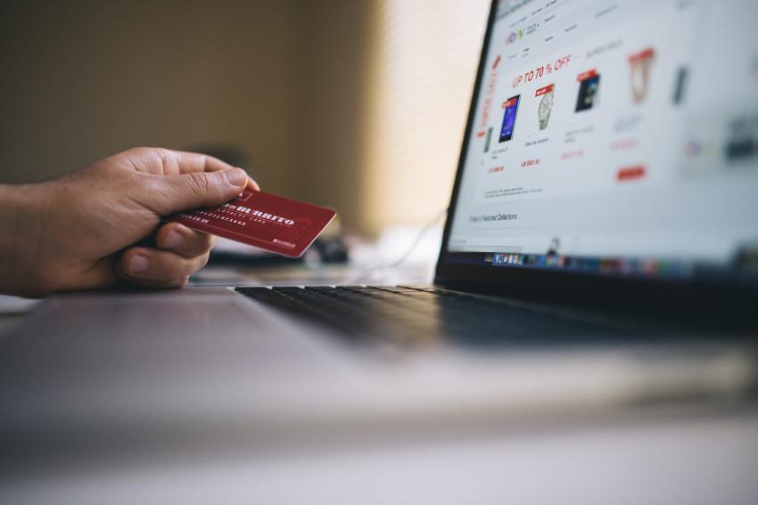 Bankkártyás fizetés beépítése weboldalba